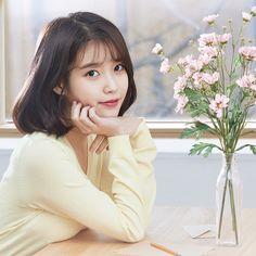 Iu Short Hair, Short Hair Styles, Long Hair, Korean Actresses, Korean Actors, Iu Twitter, Iu Fashion, Korean Celebrities, Celebs