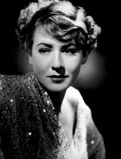 Mae CLARKE (1910-1992) * AFI Top Actress nominee > Active 1929-70 > Born Violet Mary Klotz 16 Aug 1910 Pennsylvania > Died 29 April 1992 (aged 81) California > Other: Singer > Spouses: Lew Brice (1928-? div); Stevens Bancroft (1937-? div); Herbert Langdon (1946-? div) > Children: ? Photo: c.1932