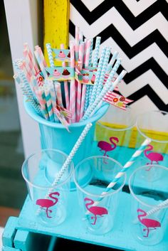 30 perfect decorating ideas - Birthday FM : Home of Birtday Inspirations, Wishes, DIY, Music & Ideas Aloha Party, Luau Party, Diy Party, Flamingo Party, Flamingo Birthday, Party Rock, Sommer Pool Party, Hawaian Party, Diy Tumblr