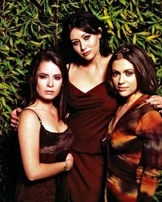 charmed-milano-combs-doherty-mcgowan-cuoco-halliwell-hot-girl-dvdbash-wordpress047.jpg (1164×1450)