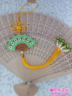 Macrame Thread, Micro Macrame, Macrame Necklace, Macrame Jewelry, Diy Yarn Decor, Macrame Tutorial, Macrame Patterns, Knots, Diy And Crafts