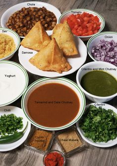 "the mention of the word ""Chaat"" makes my mouth water. Chaat is a word used for many of India's favorite street foods like bhel puri and paani puri. The last time I was in India I saw a street . Puri Recipes, Gujarati Recipes, Indian Food Recipes, Vegetarian Recipes, Healthy Recipes, Japanese Street Food, Thai Street Food, Indian Street Food, Samosa Chaat"