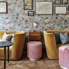 Inspiring interiors by the Soho House design team at The Hoxton Paris Living Room Bedroom, Living Room Interior, Living Room Decor, Soho House, Granny Chic Decor, Victorian Style Furniture, Victorian Bedroom, Victorian Interiors, Arquitetura