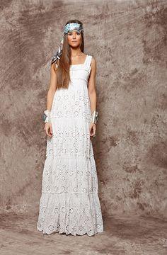Vestido blanco largo troquelado - 215,00€ : Zaitegui - Moda y ropa de marca para señora en Encartaciones