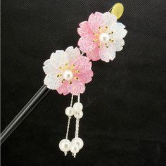 FINGER LOVE Glittered Gradient Flowers Acrylic Hair Stick with Pearl Tassels (Pink): Unique yet simple, this acrylic Geisha hair stick will maintain the wildest of hairs, while also guaranteeing an air of sophistication and maturity. Geisha Hair, Classic Bob, Vintage Wedding Jewelry, Fresh Girls, Japanese Hairstyle, One Hair, Hair Sticks, Hair Ornaments, Wedding Bride