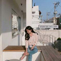 ulzzang girl 얼짱 coffee milk tea cream beige aesthetic soft minimalistic light korean kawaii grunge cute pretty photography art artistic ethereal g e o r g i a n a : e t h e r e a l Korean Fashion Trends, Korean Street Fashion, Asian Fashion, Girl Fashion, Fashion Outfits, Korean Aesthetic, Aesthetic Girl, Beige Aesthetic, Ullzang Girls