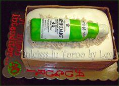 Torta bottiglia di whisky con tutorial, pasta di zucchero