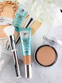 So the IT Cosmetics CC+ Cream Oil-Free Matte SPF 40 that I told you about yesterday is officially Fall Makeup Looks, Winter Makeup, Summer Makeup, Diy Beauty, Beauty Hacks, Beauty Tips, Beauty Makeup, Beauty Stuff, Beauty Products