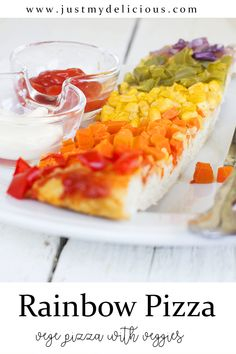 Colorful rainbow vegetarian pizza for kids loaded with veggies. Perfect for breakfast, lunch, dinner and supper. Rainbow Pizza, Vegetarian Pizza, Flatbread Pizza, Cute Food, Food Styling, Food Art, Food Photography, Lunch, Dinner
