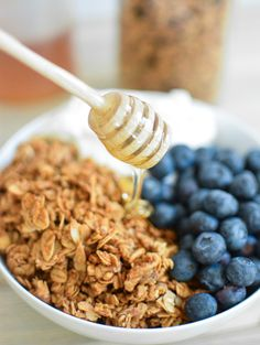 Cookie butter granola is great for breakfast or an all day snack! It is sweet, hearty and delicious! Tasty Kitchen, Kitchen Time, Healthy Snacks, Eating Healthy, Healthy Eats, Clean Eating, Breakfast Recipes, Eat Breakfast, Breakfast Ideas