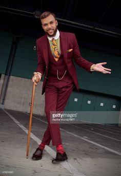 recording-artist-jidenna-attends-fashion-and-beauty-betx-presented-by-picture-id479018320 702×1,024 pixels