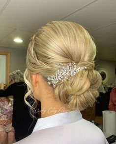 GOLDEN BLONDE UPDO Want flawless wedding hair & makeup with zero stress? We gotchu! Go ahead and schedule your free consultation call today - link in bio @WindyCityGlam! . #chicagobridalmakeup #chicagomakeupartist #chicagoweddingmakeup #chicagobride #chicagomua #chicagowedding #chicagobridalmakeupartist #chicagobridalmua #chicagoweddingmua #chicagoweddingmakeupartist #chicagoweddingplanning #chicagoweddingphotographer #chicagobridalhair #chicagohairstylist #chicagoweddinghair #chicagoweddinginsp