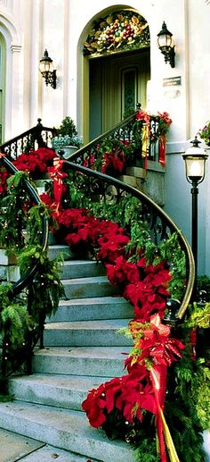 Beautiful Christmas Staircase Decorations christmas christmas ideas christmas decorations christmas decor christmas homes