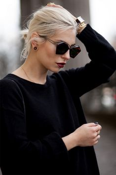 All Black, Platinum Hair & Dark Octagonal Sunglasses Scandinavian Style, Chic Outfits, Fashion Outfits, Fashion Trends, Lil Black Dress, Shady Lady, Minimal Chic, Black Is Beautiful, Daily Fashion