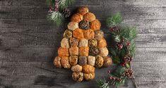 Χριστουγεννιάτικα ψωμάκια γεμιστά με τυρί από τον Άκη Πετρετζίκη. Φτιάξτε τα πιο αφράτα ψωμάκια γεμιστά με μοτσαρέλα! Τέλειο σνακ! Cactus Plants, Dog Food Recipes, Fruit, Pets, Cupcake, Skinny, Cooking, Gastronomia, Kitchen
