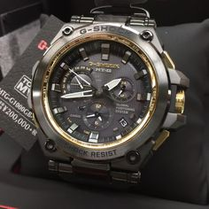 Black and Gold edition. New G-Shock MT-G with GPS Hybrid. G Shock Watches Mens, Casio G Shock, Stylish Watches, Luxury Watches For Men, New G Shock, Casio Watch, Fashion Watches, Watch Bands, Live Photos