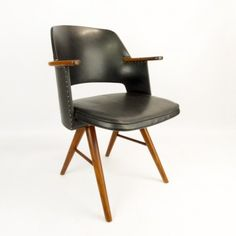 Cees Braakman; #FE30 Wood and Leather Armchair for Pastoe, 1950s.