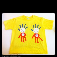 Seuss thing 1 and thing 2 shirt! One of my favorite handprint paint shirts I've seen so far :) Dr Seuss Art, Dr Seuss Week, Dr Suess, Dr Seuss T Shirts, Sunday School Classroom, Book Costumes, Cute Kids Crafts, Cat Hat, School Shirts