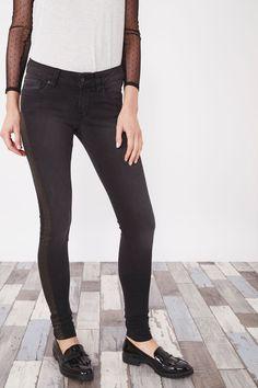 Venda Pepe Jeans / 28240 / Mulher / Calças de ganga slim e skinny / Calças de ganga skinny Preto