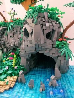 Lego LEGO Ideas - Skull Island Photos in the Drawer Photos taken on special occasions will disappear after a while in the dusty environment of the dra. Lego Design, Lego Disney, Legos, Lego Hacks, Lego Furniture, Minecraft Furniture, Bedroom Furniture, Lego Sculptures, Niklas