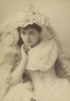 Viola Allen 1890