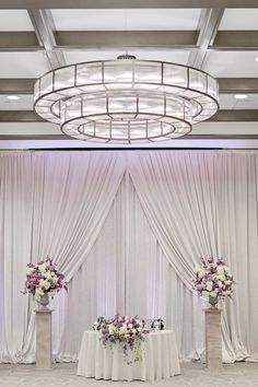 Elegant Florida Wedding in Shades of Purple - MODwedding