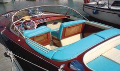 """1966 RIVA Aquarama """"Le plus beau bateau du siècle!"""" L'Aquarama, plus que n'importe quel autre bateau est destiné à devenir le symbole prestigieux de la tradition Riva, C'est un chef-d'oeuvre de charpenterie et de haute école de chantier, qui devient un véritable objet de culte. #Bateau vendu aux #encheres le 23/06/13 par Osenat"""