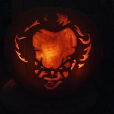 auf Instagram: Halloween Pumpkin It Pennywise Halloween Pumpkins, Pumpkin Carving, Instagram Posts, Halloween Gourds, Pumpkin Carvings