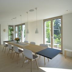 Haus K. - Wien www.wagner-fenster.at Aluminium, Modern, Conference Room, Dining Table, Design, Furniture, Home Decor, Windows And Doors, Dinning Table Set