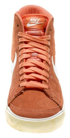 Woman Sneaker    http://youtu.be/LlfpZOsL9jo