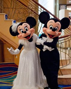 Mickey and Minnie Formal. Are Disney Cruise Photos Worth The Cost? Are the Disney Cruise Photo Packages any good or worth the money? Disney Theme, Cute Disney, Disney Pixar, Walt Disney, Disney Characters, Face Characters, Mickey Mouse And Friends, Mickey Minnie Mouse, Disney Dream