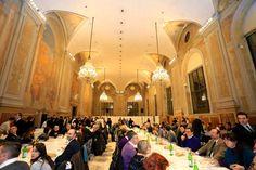 Sfida del tortellino, album della serata a Palazzo Re Enzo -http://gazzettadimodena.gelocal.it/modena/foto-e-video/2015/02/03/fotogalleria/sfida-del-tortellino-album-della-serata-a-palazzo-re-enzo-1.10792941#1