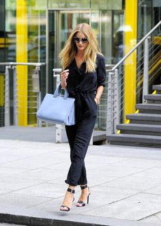 Rosie Huntington-Whiteley Photos: Rosie Huntington-Whiteley Shops in Paddington — Part 2