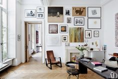 How to Hang a Picture Frame on Your First Try