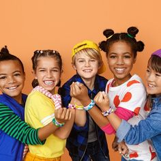 LEGO DOTS Bracelet Mega Pack DIY Creative Craft Bracelet-Making Kit For Kids 41913 : Target New Kids Toys, Toys For Boys, Kids Boys, Creative Play, Creative Thinking, Creative Crafts, Cute Friendship Bracelets, Lego Invitations, Star Wars Set