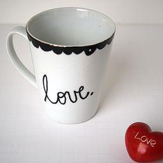 @DecoArt_Inc Valentine's Day Mug Dollar Store Craft @savedbyloves dollar store crafts, valentine gifts