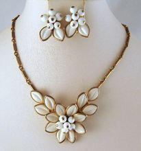 Coro Poured Glass White Flower Necklace Earrings    from Grapenut Glass on Ruby Lane