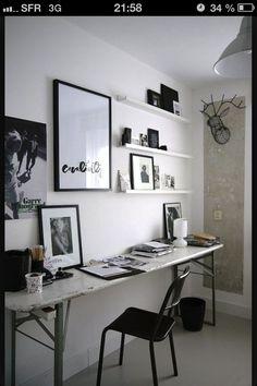 Bureau avec une table pliante
