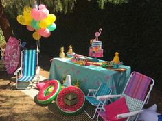Alice's Pool Party | CatchMyParty.com