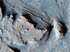 this Mars Reconnaissance Orbiter image shows an ridge in Mars' Terra Meridiani that is most likely a former streambed, now. Purple Alien, Planets And Moons, Nasa Missions, Macro And Micro, Space And Astronomy, Image Of The Day, Latest Images, The Martian, Image Shows