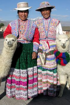 Twin sisters in Chivay, Peru. Photo by Rena Thompson