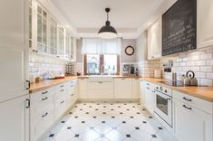 Znalezione obrazy dla zapytania biała kuchnia z dębowym blatem