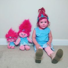 Lots of inspiration, diy & makeup tutorials and all accessories you need to create your own DIY Princess Poppy Costume for Halloween. Poppy Halloween Costume, Toddler Halloween Costumes, Halloween 2018, Halloween Party, Princess Poppy Costume, Trolls Poppy, Doll Making Tutorials, Troll Party, Girly