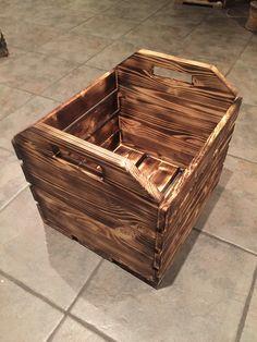 Box. Kasse. 30x30x35 cm. Torched. Brent.