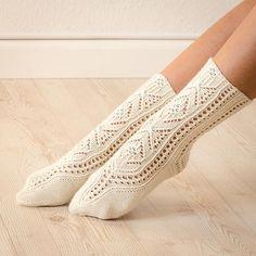 Designed as a mystery sock KAL for the Sock Knitters Anonymous group for March Wool Socks, Knitting Socks, Hand Knitting, Knitting Patterns, Crochet Cardigan Pattern, Knit Crochet, Slipper Socks, Slippers, Knitting Videos