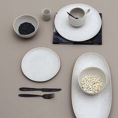 Serve your summer delicacies on the new Sandrine tableware in off-white matte ceramics. It's incredibly soft on the hands and add to the calming rustic feel of a true getaway. // #Bloomingville #happychanges #express #news #hideaway #kitchen #sandrine #ceramic //