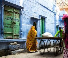 Check out the first collection of photographies of India. Captured during three months in Rajasthan, Agra, Varanasi, Kolkata and many more locations. Varanasi, Agra, Kolkata, Laos, Thailand, Travel Photography, Around The Worlds, India, Painting