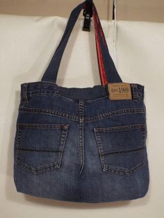 Tendance Sac 2018 : Jeans bagRecycled jeansShoulder handbagcasual denim bag for Handmade Handbag for women, denim, blue jeans handbag, cats Creative Ways To Old Jeans Upcycles Ideas garden crafts for kids easy diy projects for the gardenCurrently, the maj Denim Handbags, Denim Tote Bags, Denim Purse, Artisanats Denim, Blue Denim, Jean Diy, Blue Jean Purses, Denim Crafts, Upcycled Crafts