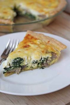 Spinach Mushroom Quiche. Perfect for breakfast, brunch, lunch or dinner!