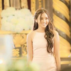 in love with your beauty ~ © ( ~ Kathryn Bernardo Hairstyle, Filipina Actress, Daniel Padilla, Pitch Perfect, Queen Of Hearts, Cut And Color, Asian Beauty, One Shoulder Wedding Dress, Hair Color